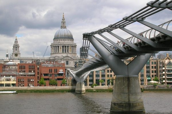Bridge and Architecture in London