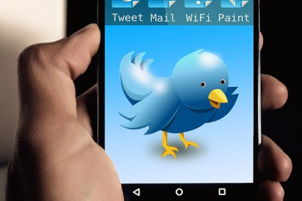 Twitter Video Advertising Smartphone